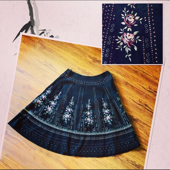 Fine Aeropostale Skirt In Black Floral Women's Clothing Size Xs Skirts